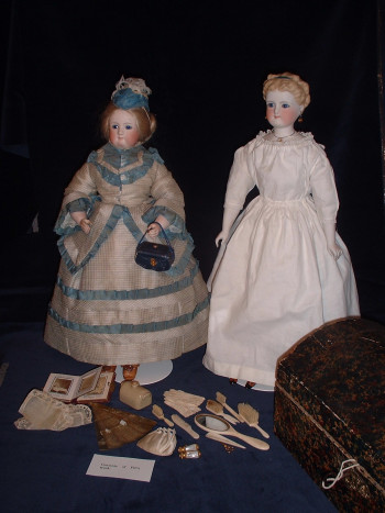 Fifi and Jane dolls